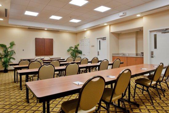 Candlewood Suites Norfolk Airport : Meeting Room