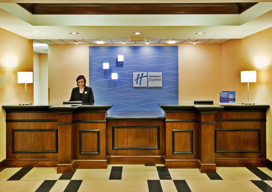 Crawfordsville, IN: Front Desk
