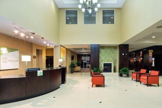 Holiday Inn Daytona Beach LPGA Blvd: Step into our comfortable Lobby