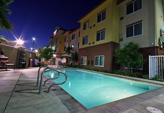 Fairfield Inn & Suites Turlock: Outdoor Pool