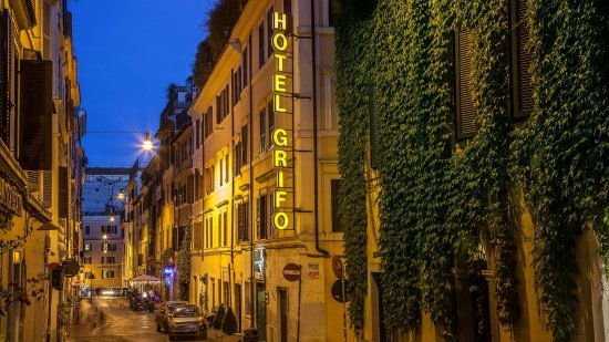 Hotel Grifo: The charming street of our hotel