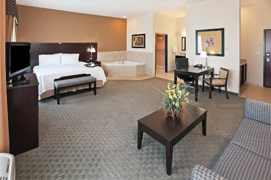 Dumas, TX: King Whirlpool Room