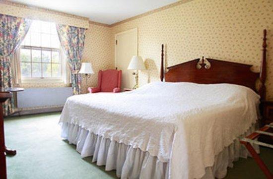 Williamstown, MA: Standard King Room