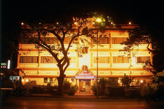 Midland Hotel : Exterior
