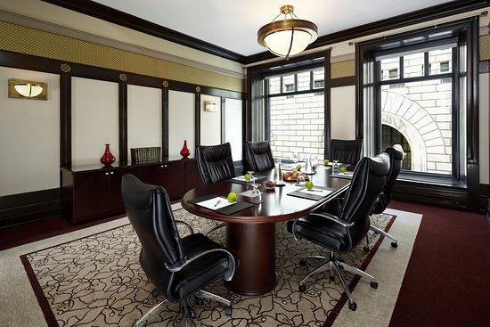InterContinental Montreal: Boardroom meeting in St-Antoine