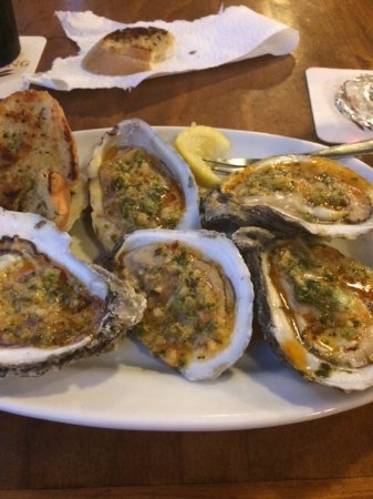Rusty's Seafood and Oyster Bar: Chili Lime oysters (beauties!!)