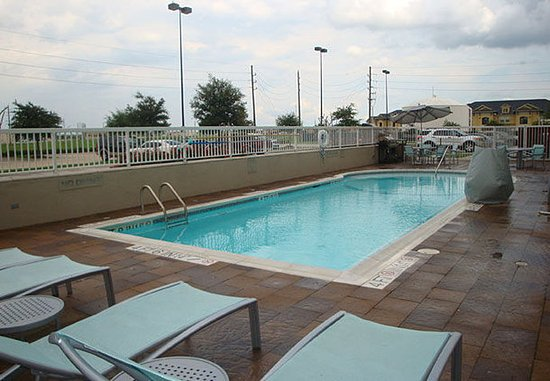 Rosenberg, TX: Outdoor Pool