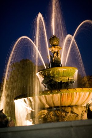 Beverly, MA: Upper Manor Fountain at Night