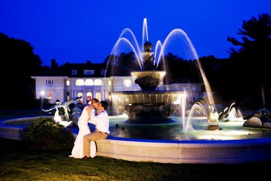 Beverly, MA: Tupper Manor Wedding