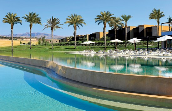 Rent a Rolls-Royce in Sciacca hotel