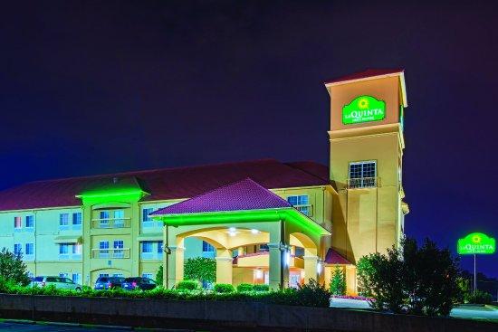 塔爾薩機場/博覽廣場拉金塔旅館&套房酒店