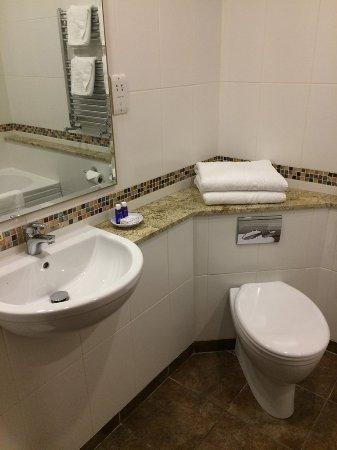Newby Bridge, UK: Classic Bathroom