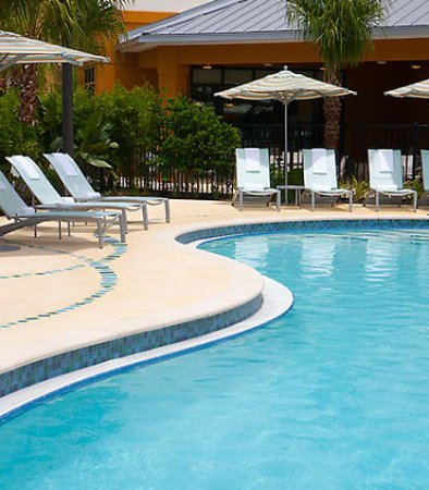 SpringHill Suites Orlando at SeaWorldR: Outdoor Pool