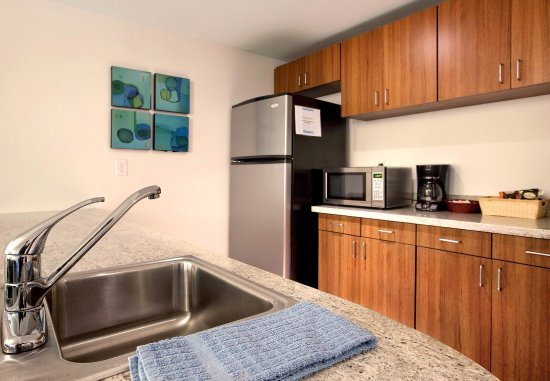 Athens, GA: Presidential Suite Kitchen
