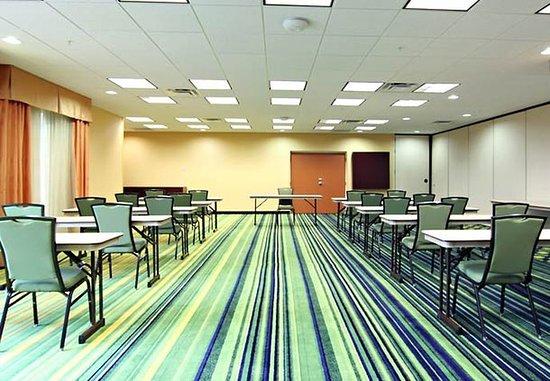 Fairfield Inn & Suites Lexington North: Meeting Room
