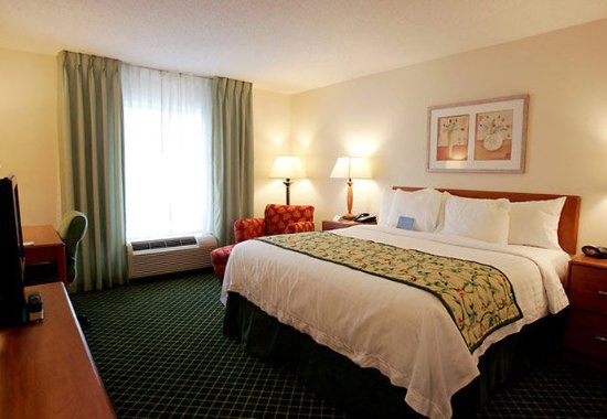 South Boston, VA: King Guest Room