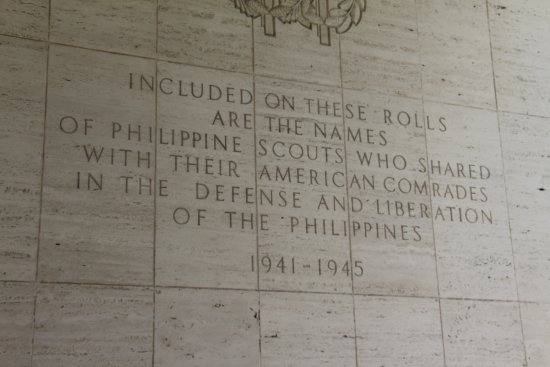 Manila American Cemetery and Memorial: Tells the story of comrade in arms Americans and Philippine sailors and soldiers resting togethe