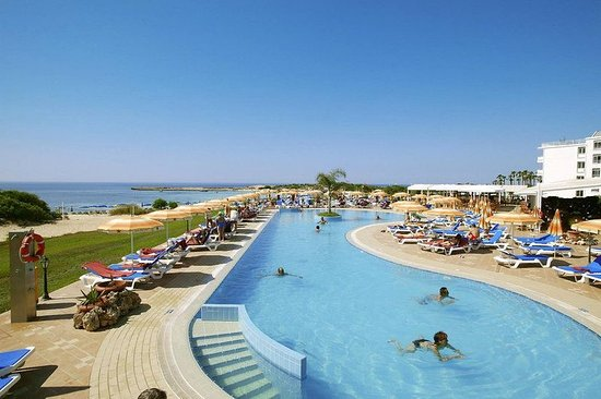 Asterias Beach Hotel: Pool