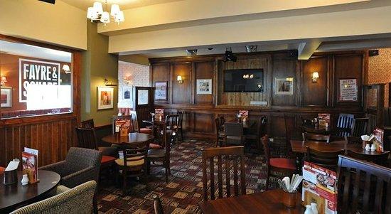 Longshoot Hotel: Restaurant