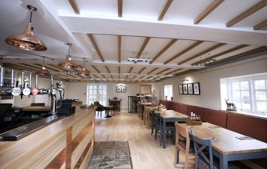 Leasowe Castle Hotel: Bar