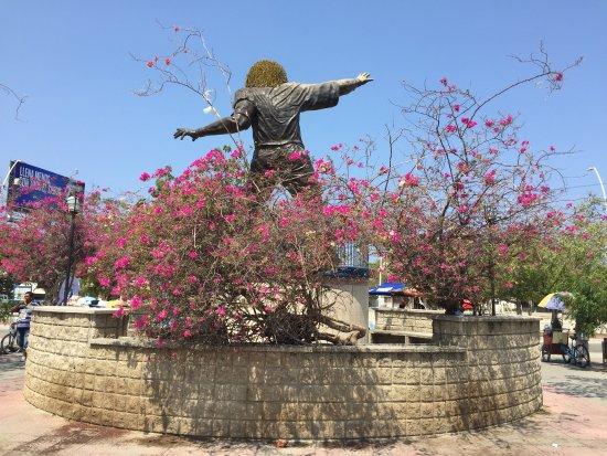 Carlos El Pibe Valderrama Statue