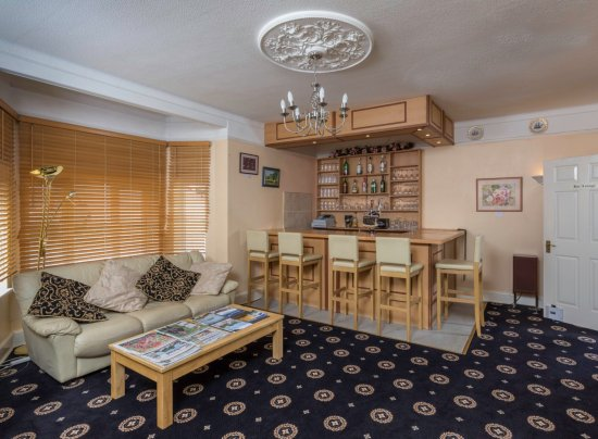 Lyme Bay House: Lounge Bar