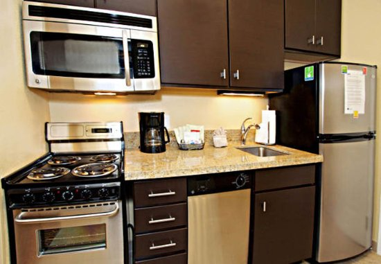 Goodyear, AZ: Studio Suite Kitchen