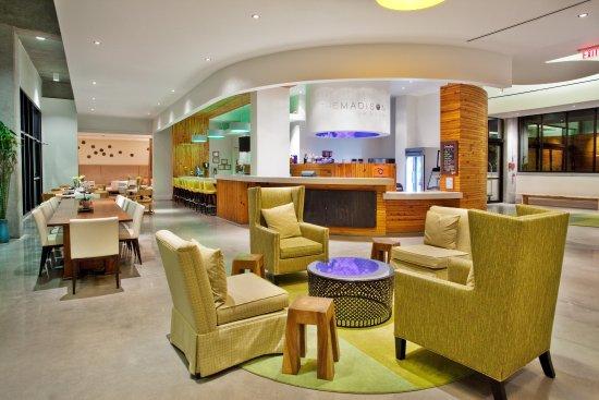 เอเธนส์, จอร์เจีย: The Madison Bar & Bistro