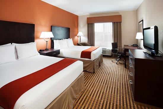 Matthews, NC: Queen Bed Guest Room