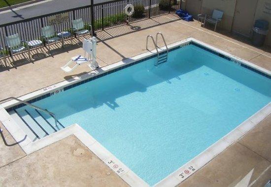 Lynchburg, VA: Outdoor Pool