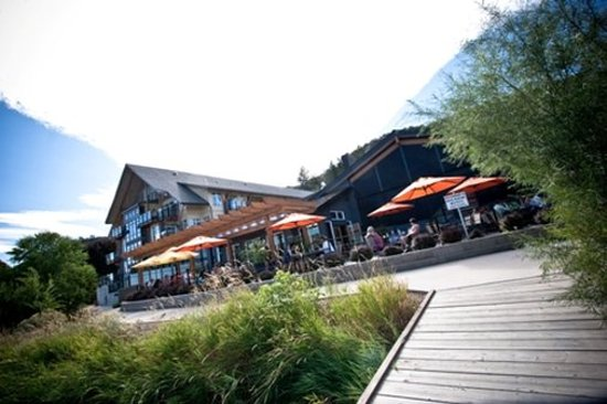 Summerland, Canada: Restaurant Patio Dock
