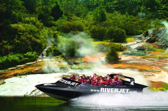 ロトルア地熱ワンダーランドとワイカト川ジェット•ボート•クルーズ