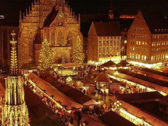 Hotel Burgschmiet: Christkindles market