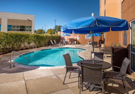 Schertz, TX: Outdoor Pool - Lounge Area