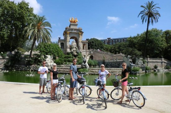 Private E-Bike Tour: 5 Barcelona