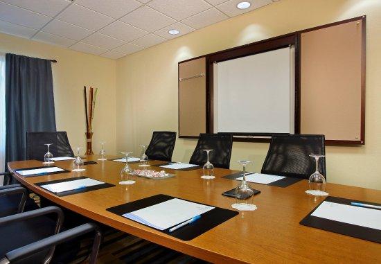 Dania Beach, FL: Executive Boardroom