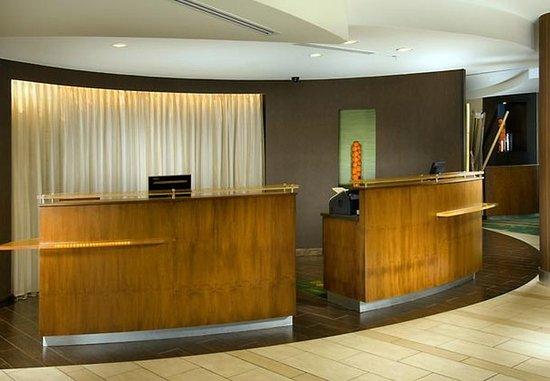 Fairfield Inn & Suites New Braunfels: Front Desk