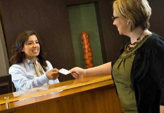 Fairfield Inn & Suites New Braunfels: Front Desk Staff