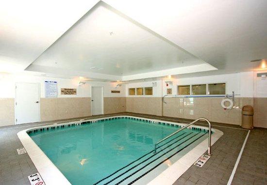 SpringHill Suites Winston-Salem Hanes Mall: Indoor Pool