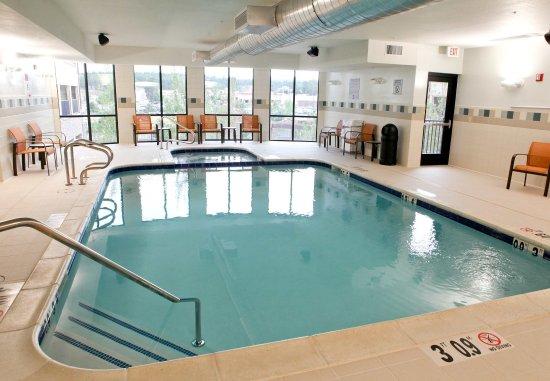 Courtyard Flagstaff: Indoor Pool & Whirlpool