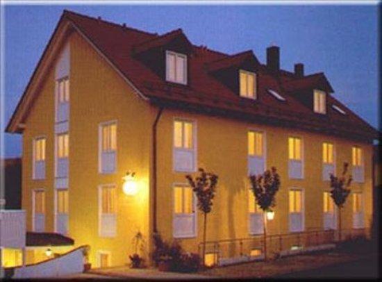 Garching bei Munchen, Almanya: Exterior