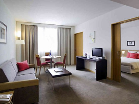 Cornella de Llobregat, Espagne : Guest Room