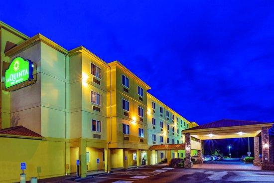 賽勒姆拉昆塔套房飯店