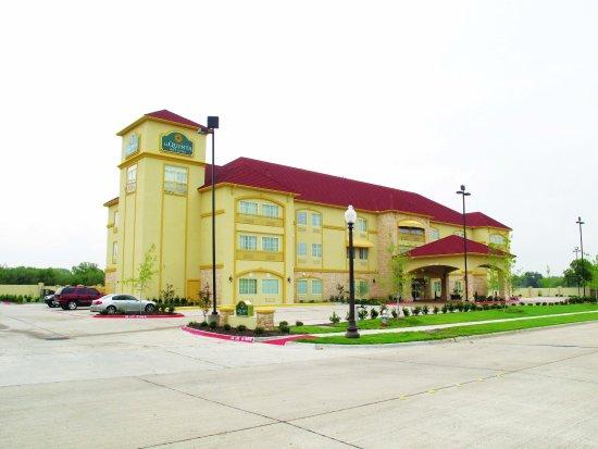 La Quinta Inn & Suites Ennis: ExteriorView
