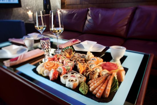 InterContinental Kiev: Sushi Set in b-hush Lounge Bar
