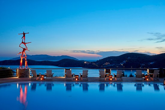 Liostasi Hotel & Suites: A Definition of Art