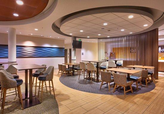 Rexburg, ID: Breakfast Sitting Area
