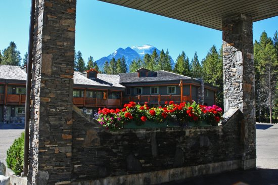 Mountaineer Lodge: Inviting Lodge