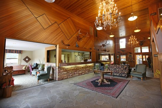 Mountaineer Lodge: Lobby Reception