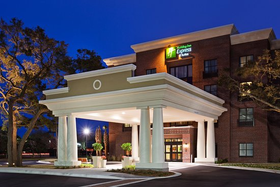 Holiday Inn Express Hotel & Suites Mt Pleasant-Charleston: Hotel Exterior
